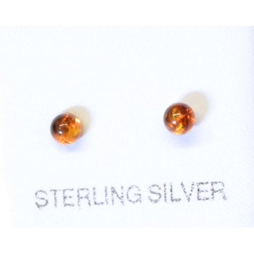 925 Sterling Silver And Amber Studs.