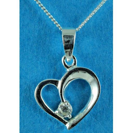clear Cubic Zirconia set heart